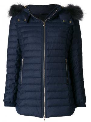 Куртка-пуховик Primula на молнии с мехом енота Tatras. Цвет: синий