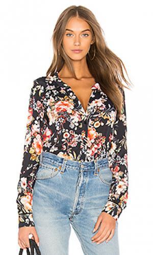 Рубашка cherry RAVN. Цвет: черный
