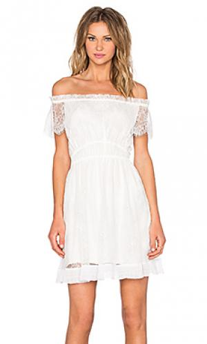 Кружевное платье The Kooples. Цвет: белый