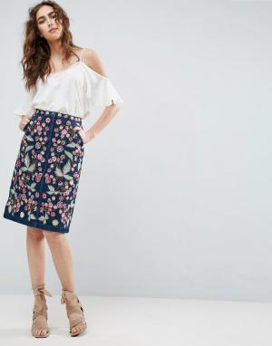 Needle & Thread Джинсовая юбка миди с цветочной вышивкой and. Цвет: синий