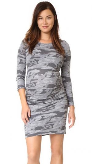Объемное бейсбольное платье с камуфляжным принтом для беременных MONROW. Цвет: гранит