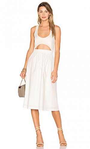 Платье с эластичным вырезом EDIT. Цвет: белый