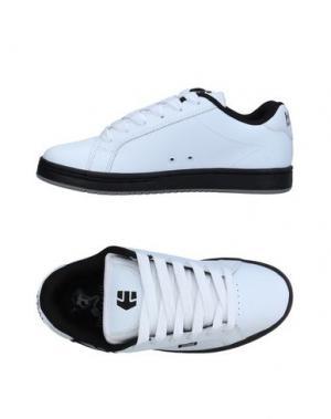 Низкие кеды и кроссовки ETNIES. Цвет: белый