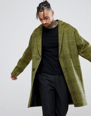ASOS Полушерстяное пальто в желтую клетку с заниженной линией плеч. Цвет: желтый
