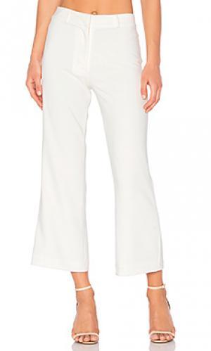 Укороченные расклешенные брюки top cop Lovers + Friends. Цвет: ivory
