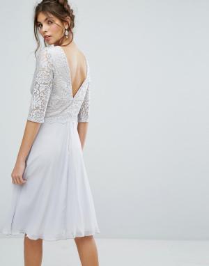 Elise Ryan Платье миди с V-образным вырезом на спине и кружевным верхом Rya. Цвет: мульти