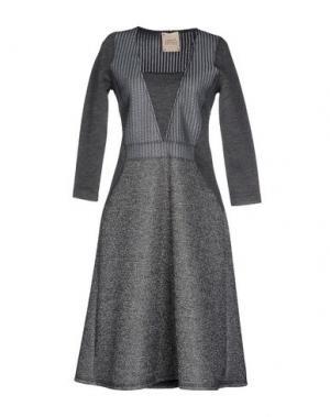 Платье до колена GARAGE NOUVEAU. Цвет: серый