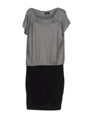 Короткое платье DUCK FARM. Цвет: серый