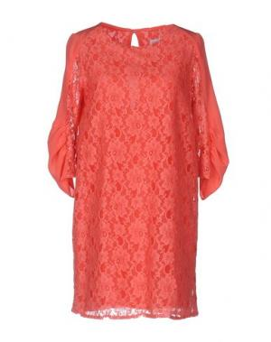 Короткое платье ANNARITA N.. Цвет: коралловый