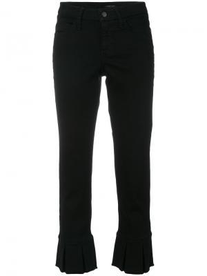 Укороченные слегка расклешенные брюки Cambio. Цвет: чёрный