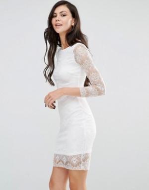 Lipstick Boutique Облегающее кружевное платье с длинными рукавами. Цвет: кремовый