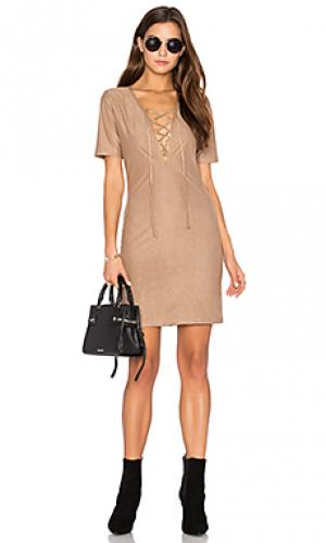 Платье riley De Lacy. Цвет: цвет загара