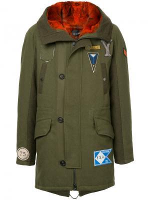 Пальто с аппликацией Yves Salomon Homme. Цвет: зелёный