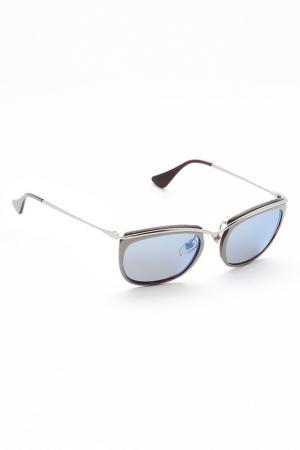 Очки солнцезащитные Persol. Цвет: серый