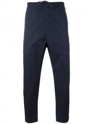 Укороченные брюки Vince. Цвет: синий