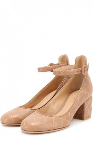 Кожаные стеганые туфли Greta Driver Gianvito Rossi. Цвет: бежевый