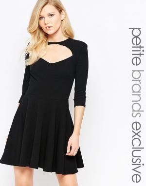 John Zack Petite Короткое приталенное платье с вырезом спереди и короткими рукавами Joh. Цвет: черный