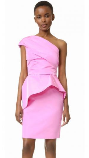 Платье с открытым плечом и баской Monique Lhuillier. Цвет: розовый