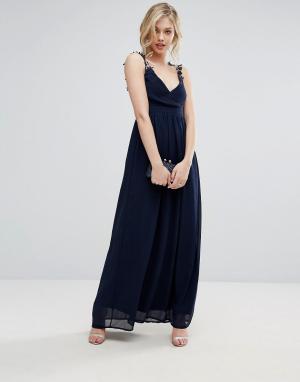 Club L Плиссированное платье макси с ажурными бретельками Bridesmaid. Цвет: темно-синий