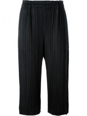 Укороченные брюки с гофрированным дизайном Pleats Please By Issey Miyake. Цвет: чёрный