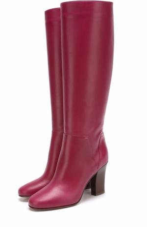 Кожаные сапоги Lovestud на устойчивом каблуке Valentino. Цвет: малиновый