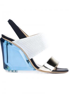 Босоножки на массивном каблуке Monique Lhuillier. Цвет: чёрный