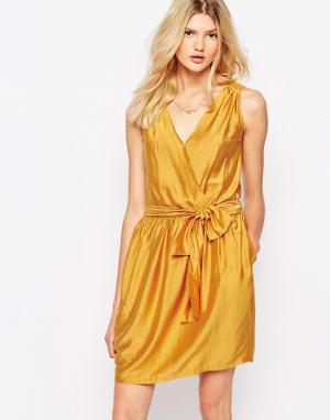 Sessun Платье мини горчичного цвета с запахом. Цвет: желтый
