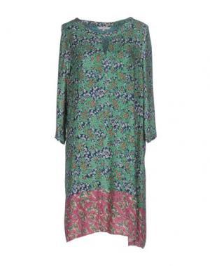 Платье до колена GAZEL. Цвет: зеленый