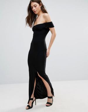 Club L Платье макси со спущенными плечами и разрезом. Цвет: черный