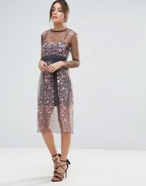 Little White Lies Платье с вышивкой Stargazer. Цвет: розовый