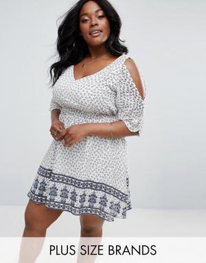 Diya Приталенное платье с принтом. Цвет: мульти