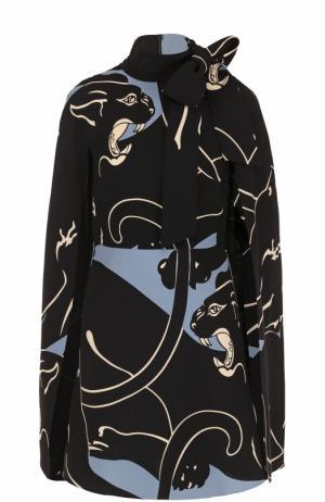 Шелковое мини-платье с кейпом и принтом Valentino. Цвет: голубой