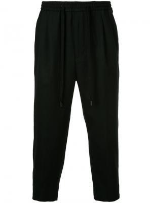 Классические брюки с эластичным поясом monkey time. Цвет: чёрный