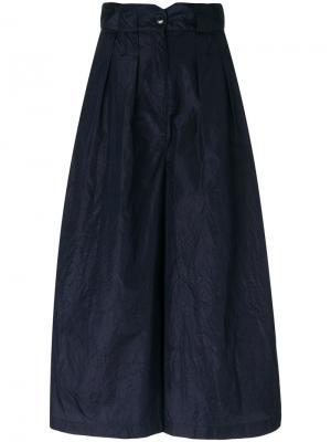 Укороченные расклешенные брюки Dusan. Цвет: синий
