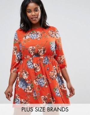 Koko Короткое приталенное платье с цветочным принтом Plus. Цвет: оранжевый