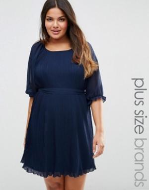 Koko Плиссированное платье с поясом Plus. Цвет: темно-синий