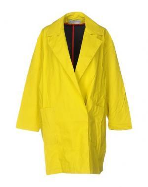 Легкое пальто WANDA NYLON. Цвет: желтый