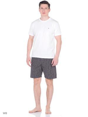 Пижама: футболка и шорты Tommy Hilfiger. Цвет: белый