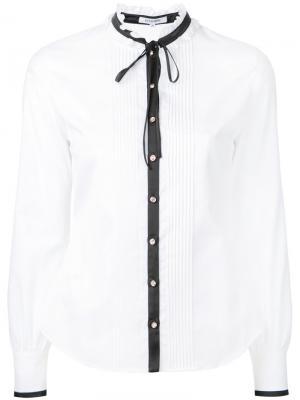 Рубашка с завязкой на бант Guild Prime. Цвет: белый