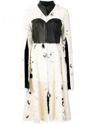 Пальто-кейп Liska. Цвет: белый