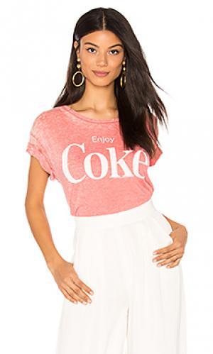 Футболка enjoy coke Junk Food. Цвет: красный