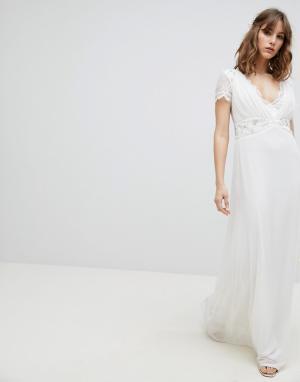 Amelia Rose Платье макси с глубоким декольте и отделкой на талии. Цвет: белый