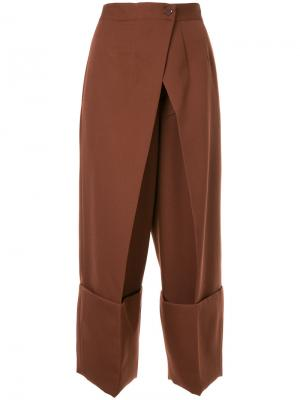 Укороченные брюки с запахом Astraet. Цвет: коричневый