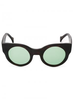 Солнцезащитные очки Earth Saturnino. Цвет: телесный