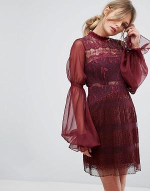 Three Floor Кружевное платье мини с пышными рукавами на манжетах. Цвет: красный