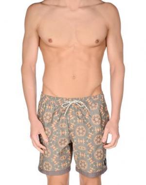 Пляжные брюки и шорты QUIKSILVER. Цвет: хаки