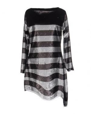 Короткое платье BEA. Цвет: серебристый