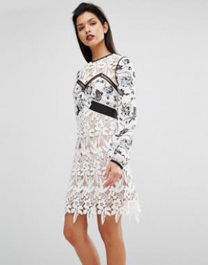 Self Portrait Белое платье мини из гипюра с узором ласточек. Цвет: белый