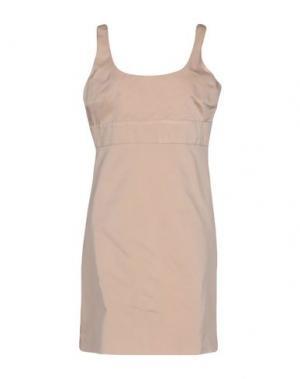 Короткое платье MALAICA. Цвет: бежевый