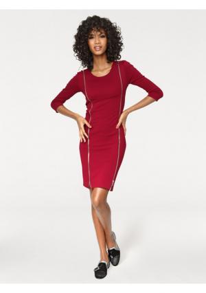 Моделирующее платье Ashley Brooke. Цвет: красный